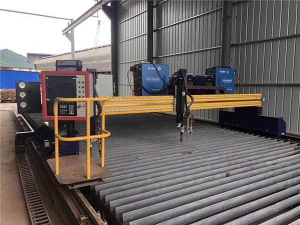 Geautomatiseerde CNC-plasmasnijmachine Dubbel aangedreven 4m span 15m rails